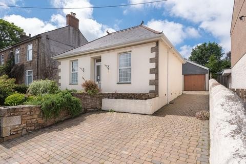 3 bedroom detached bungalow for sale - Church Road, Redruth