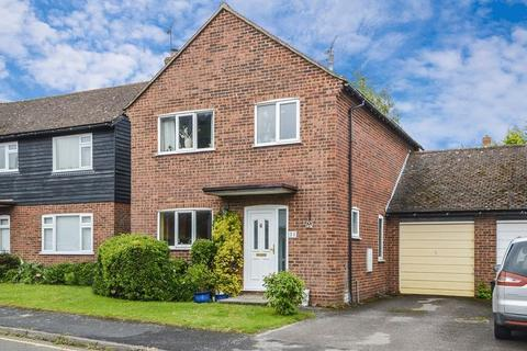 3 bedroom detached house for sale - Link Detached family home