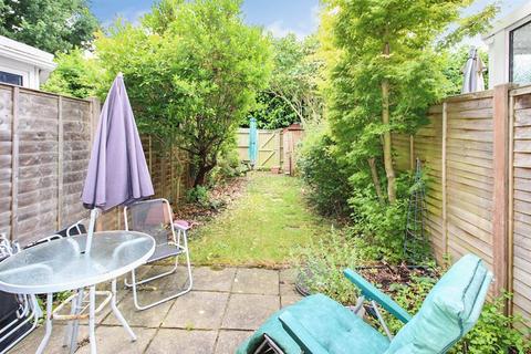 2 bedroom terraced house for sale - Hollybrook Gardens, Locks Heath