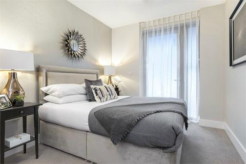 2 bedroom flat to rent - New Pier Wharf, 1-3 Odessa Street, London