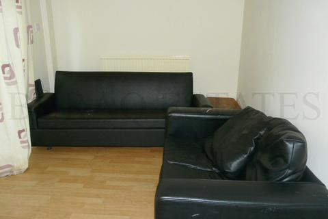 3 bedroom property to rent - Yew Tree, 3 Bed, Fallowfield, Manchester