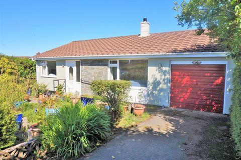 2 bedroom detached bungalow for sale - Kilmar Close, St. Cleer