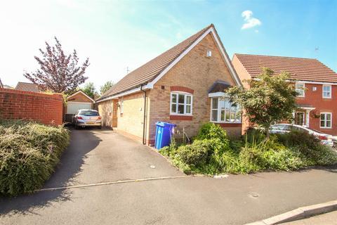 2 bedroom bungalow to rent - Heron Close, Packmoor, Stoke-On-Trent