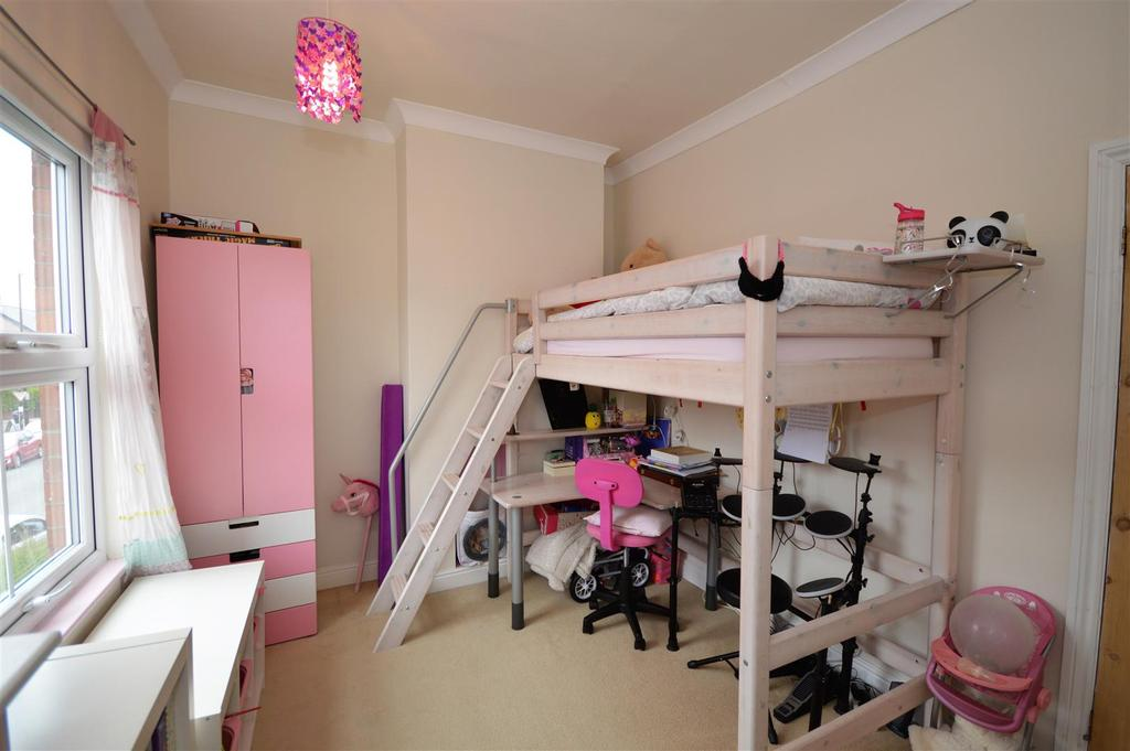 Further bedroom view