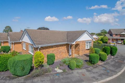2 bedroom detached bungalow for sale - Parc Gorsedd, Gorsedd, Holywell