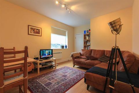 2 bedroom flat to rent - Marlborough Road, Penylan