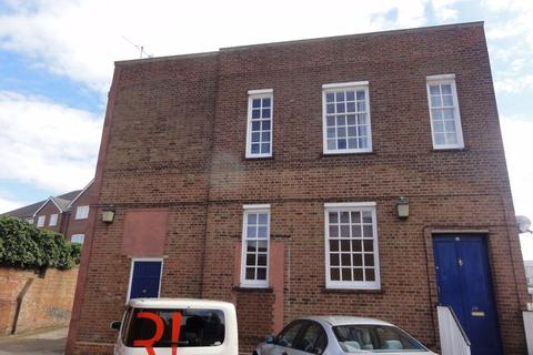 2 bedroom apartment to rent - TOWN CENTRE - Large 2 Bed Apartment with Secure Pa