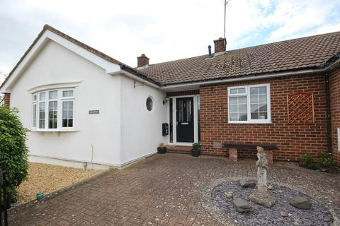 3 bedroom detached bungalow for sale - Fallowfield, Ampthill, Bedfordshire, MK45