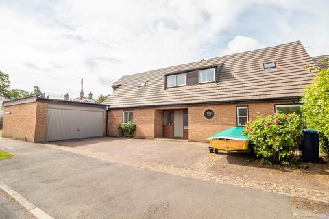 5 bedroom detached house for sale - Buristead Road, Great Shelford