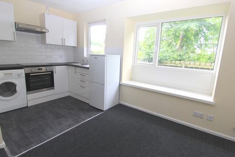 Studio to rent - Pipit Close, Audenshaw