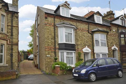 2 bedroom end of terrace house for sale - Wellington Road, Raunds, Northamptonshire