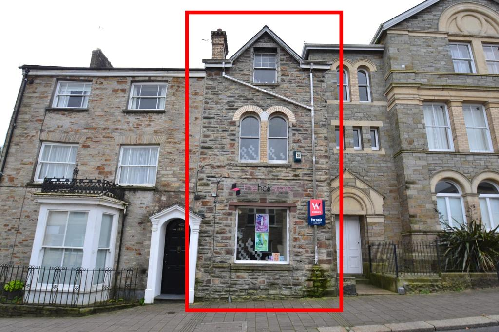 2 Bedrooms Terraced House for sale in Fore Street, Bodmin