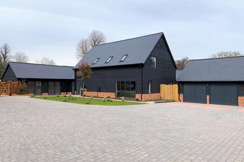 5 bedroom detached house for sale - Church Farm Court, Roxton, Bedford MK44