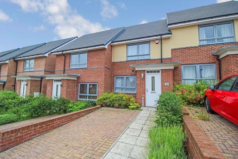 2 bedroom terraced house for sale - Byrewood Walk, Kenton, Newcastle upon Tyne, Tyne and Wear, NE3 3EZ
