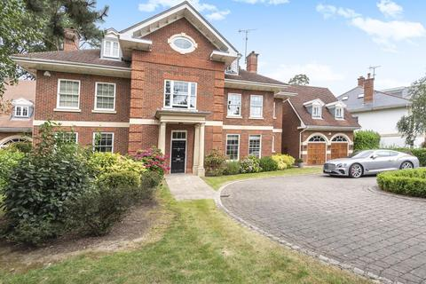 6 bedroom detached house to rent - The Chase, Ascot, SL5
