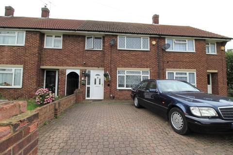 3 bedroom semi-detached house to rent - Snowdon Crescent, Hayes