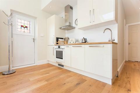 1 bedroom flat to rent - Gledhow Wood Grove, Roundhay, Leeds, West Yorkshire, LS8