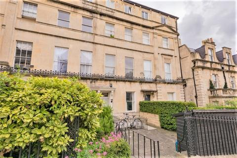 Studio to rent - Lansdown Road - Belvedere Villas