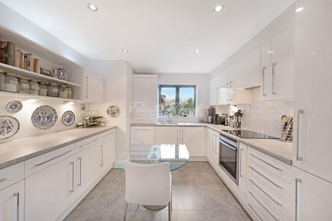 2 bedroom flat for sale - Compass Point, E14