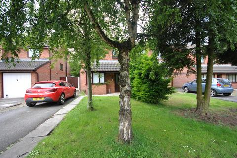 3 bedroom semi-detached house to rent - Keadby Close, Barton , Eccles, Manchester M30