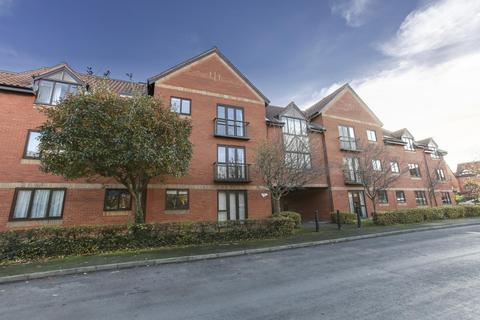 2 bedroom flat to rent - Hope Court, Canada Way, BS1