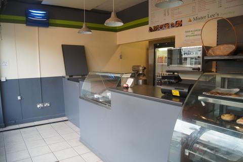 Shop to rent - Green Street, Enfield, EN3