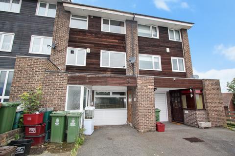 4 bedroom townhouse to rent - Upper Park Road, Belvedere, DA17