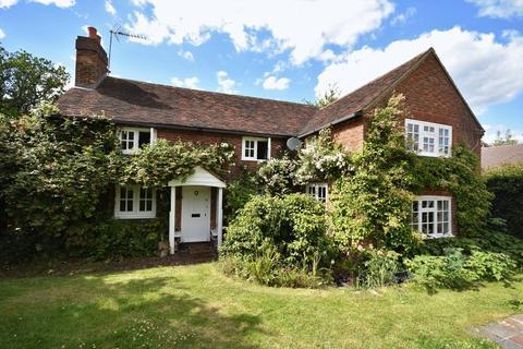 4 bedroom detached house for sale - Gardeners Hill Road, Farnham