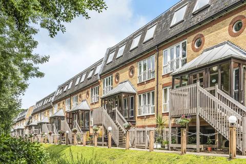 3 bedroom flat for sale - The Alders, West Wickham