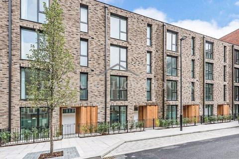 4 bedroom townhouse - Townhouse, Starboard Way, Royal Wharf