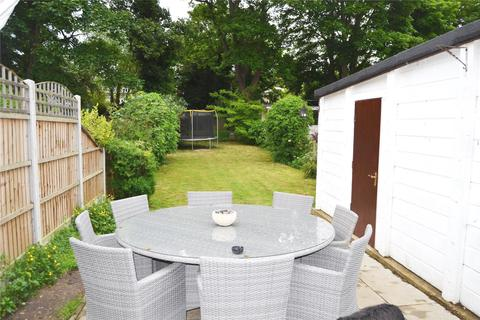 5 bedroom semi-detached house to rent - Grey Towers, Hornchurch
