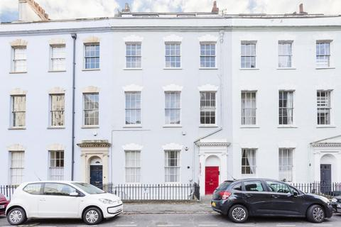 2 bedroom flat to rent - Cornwallis Crescent, Clifton, BS8