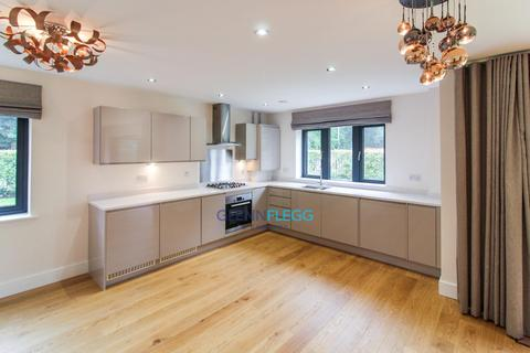 2 bedroom ground floor flat for sale - Luxury Large Ground Floor Flat With Underground Parking