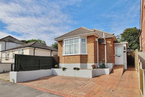 2 bedroom detached bungalow for sale - Sunnyside Road, Parkstone, POOLE, Dorset