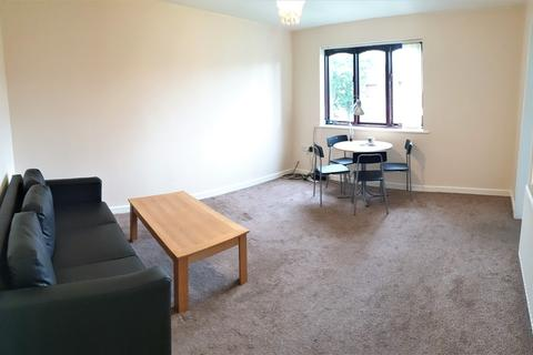 2 bedroom flat to rent - Addison Close, 2 Bed, Manchester