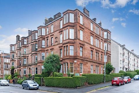 3 bedroom flat for sale - Armadale Street, Dennistoun, G31 2PS