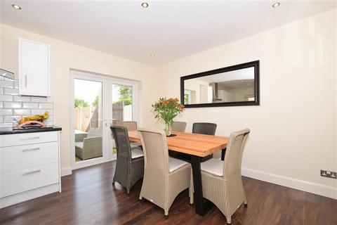 3 bedroom semi-detached house for sale - Holtye Crescent, Maidstone, Kent