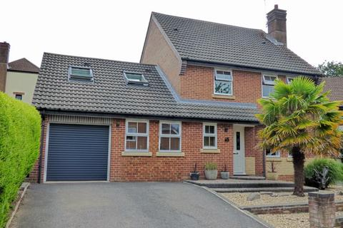 5 bedroom detached house for sale - Cowslip Road, Broadstone
