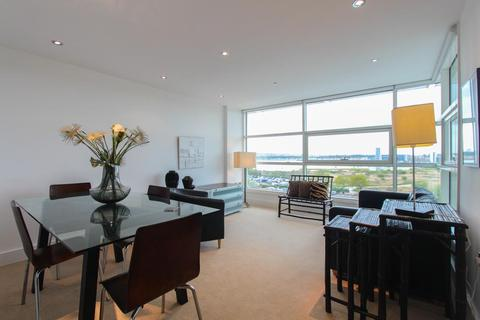 2 bedroom apartment to rent - Sovereign Quay, Cardiff Bay