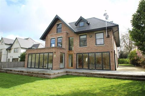 6 bedroom detached house to rent - Eyebrook Road, Altrincham, Cheshire