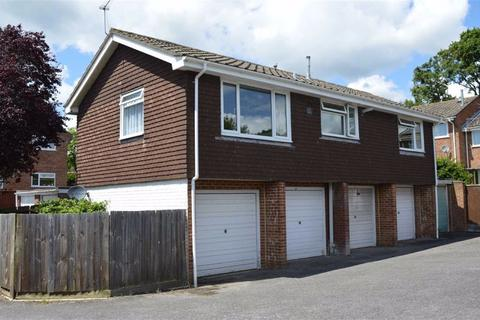 2 bedroom flat for sale - Stirrup Close, Wimborne, Dorset
