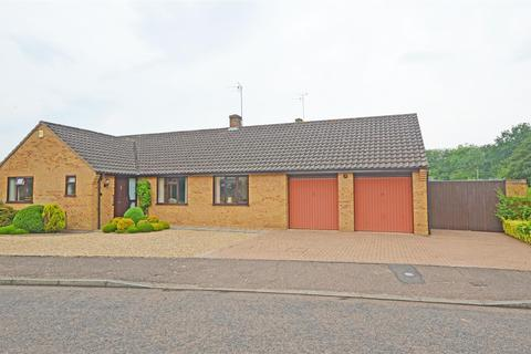 3 bedroom detached bungalow for sale - Farleigh Fields, Orton Wistow, Peterborough