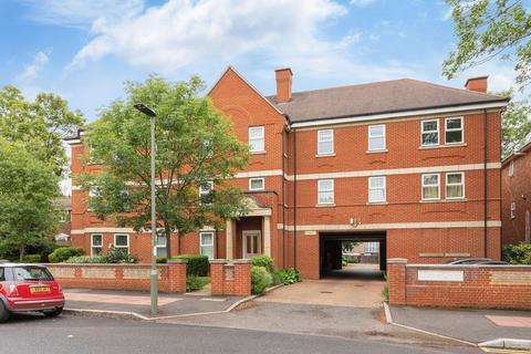 2 bedroom flat for sale - Oaklands Road, Bromley
