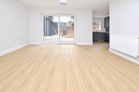 1 bedroom maisonette for sale - Baddow Road, Great Baddow, Chelmsford, CM2