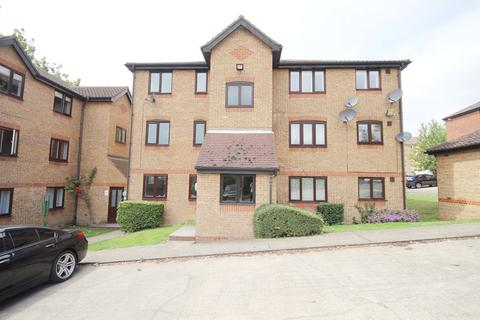 1 bedroom flat for sale - Flat 1  Bradfield Court, Linnet Way, PURFLEET, RM19