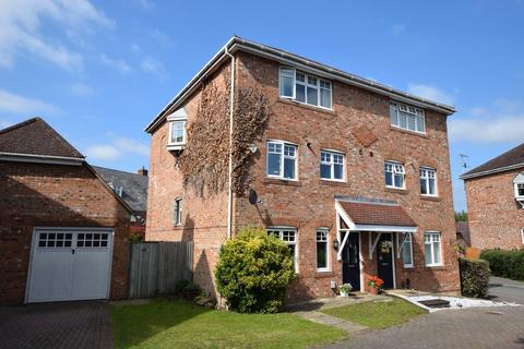4 bedroom semi-detached house for sale - Cudbury Drive, Elvetham Heath, Fleet