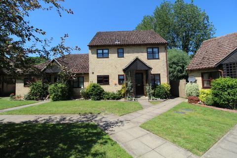 2 bedroom apartment for sale - Ship Gardens, Mildenhall, Bury St. Edmunds