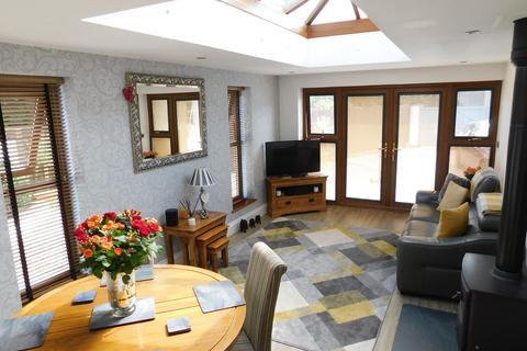 3 bedroom semi-detached house for sale - Derwent Place, Ulverston, Cumbria, LA12 9BX