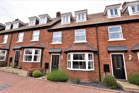 3 bedroom townhouse for sale - Sayer Crescent, Cromer
