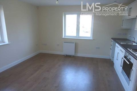 2 bedroom flat to rent - Denbigh House, Cheviot Square, Winsford